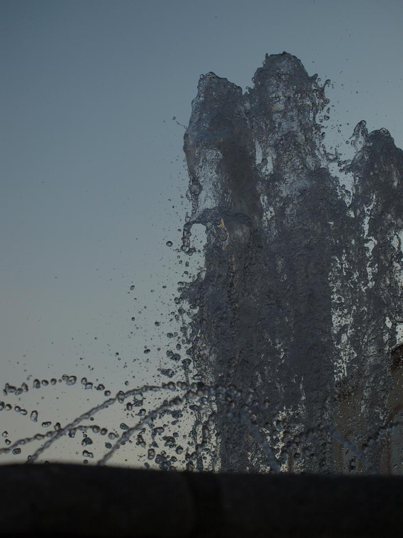Brunnen (112k image)